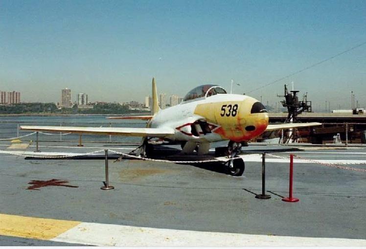 Visite de l'USS INTREPID EN 1992 Img-9231