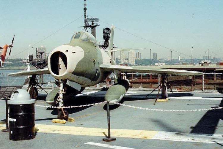 Visite de l'USS INTREPID EN 1992 Img-9232