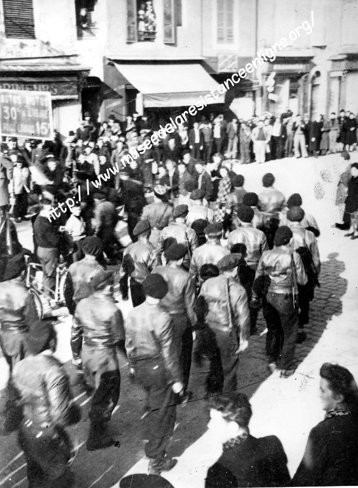 11 novembre 1943 : le défilé d'Oyonnax 395210