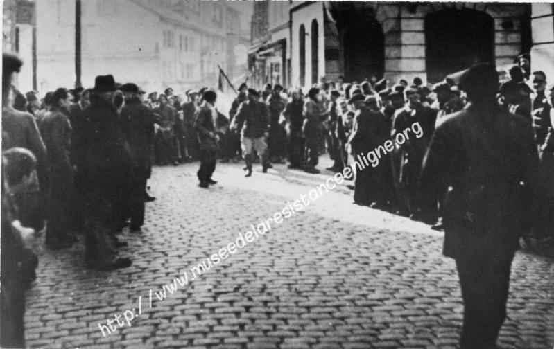 11 novembre 1943 : le défilé d'Oyonnax 398110