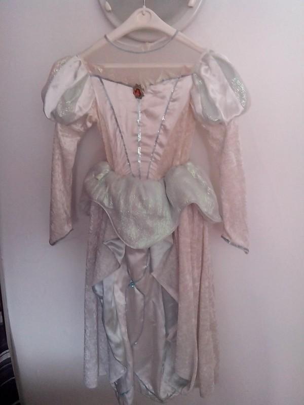 Robe de princesse - Page 10 Img_2010