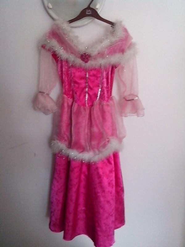 Robe de princesse - Page 10 Img_2011