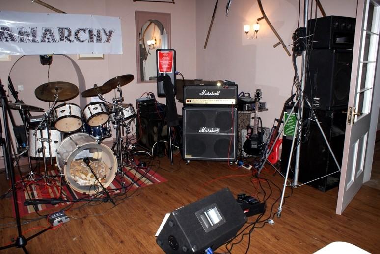 Active - Active Bass Cabinet Wanted Shanar10