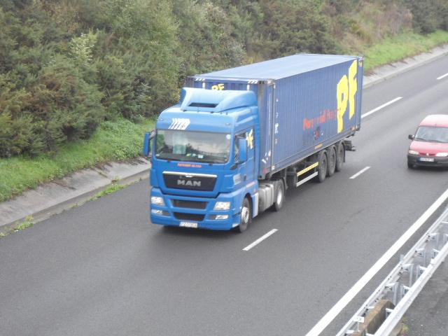 PF  (Perennial Freight) Dsc01544