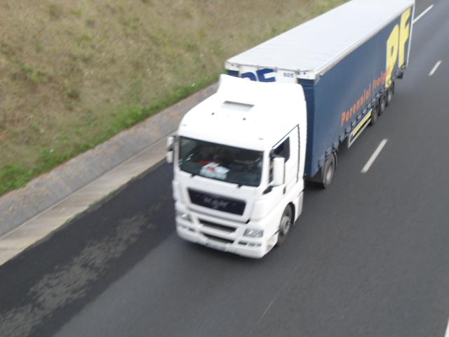 PF  (Perennial Freight) Dsc01863