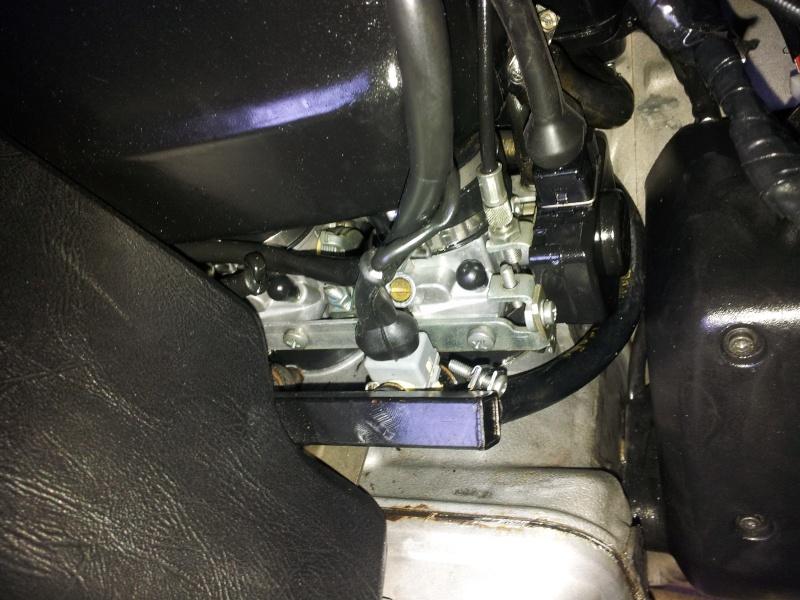 Fuel pressure regulator differences Ductin11