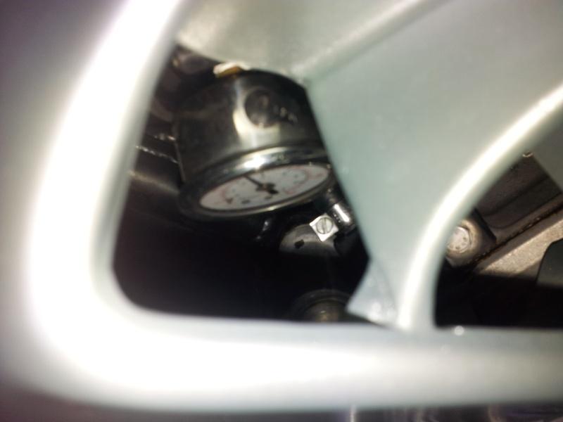 Fuel pressure regulator differences Gauge11
