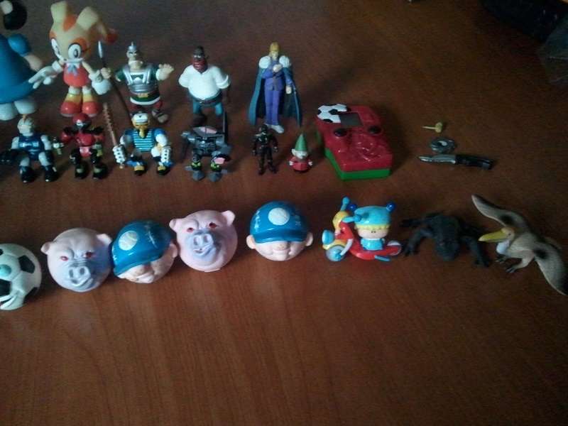 Lotto Mini figures varie: SFRIZZO, ASTERIX, HNK, Z-BOTS, DRAGON BALL... Wp_00439