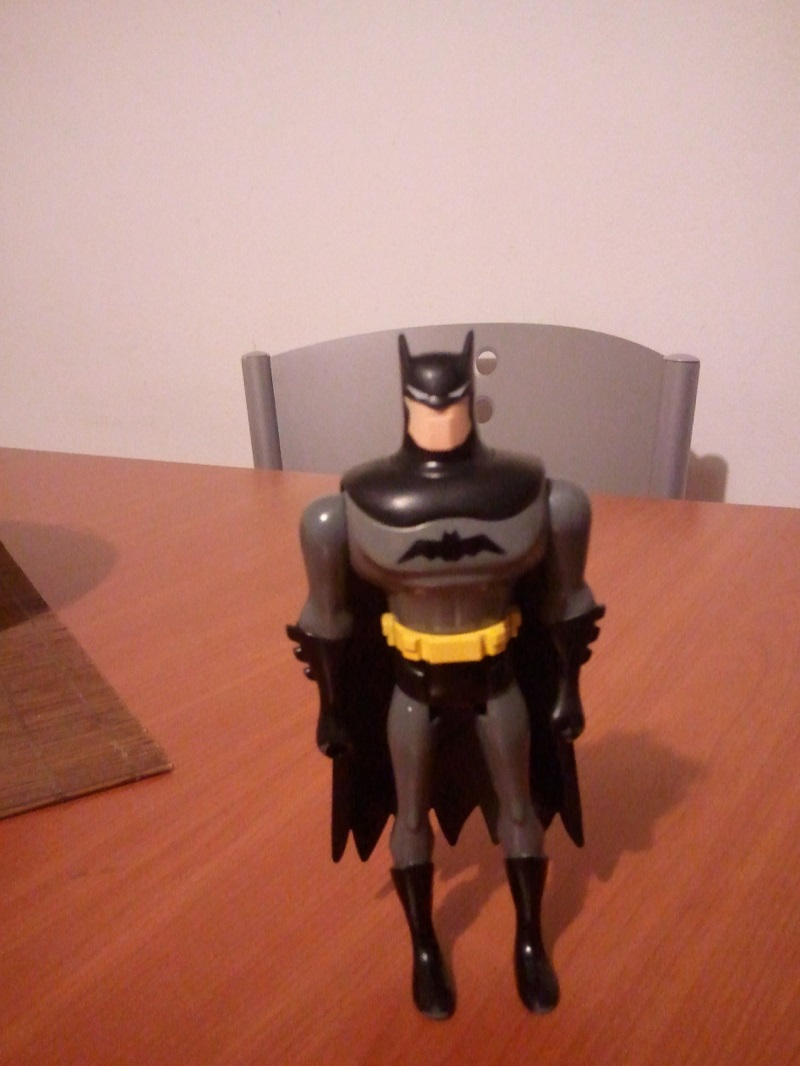 CERCO personaggi Batman Cartone Animato Wp_00442