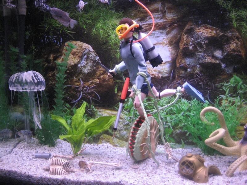 FISH TANK DIORAMA 4.................... DANGER IN THE DEEP Img_3812
