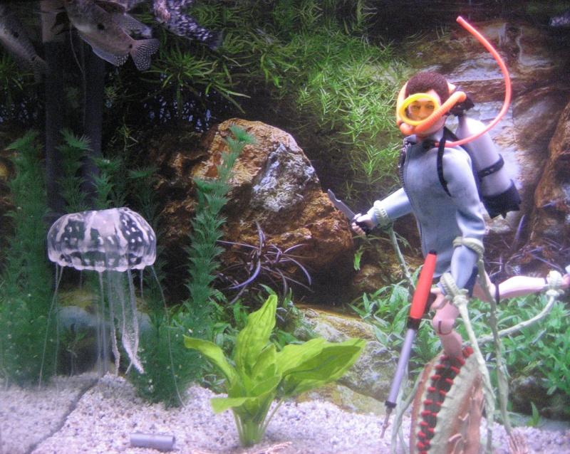 FISH TANK DIORAMA 4.................... DANGER IN THE DEEP Img_3815