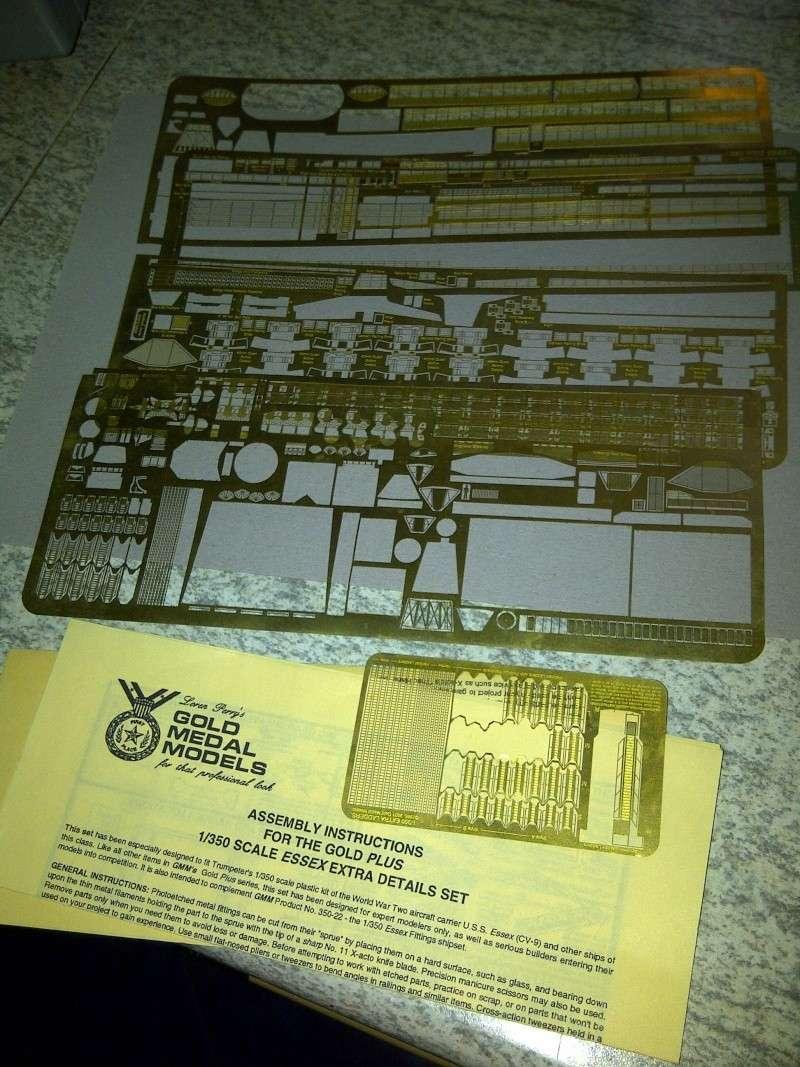 USS Essex CV-9 1:350 Img-2207