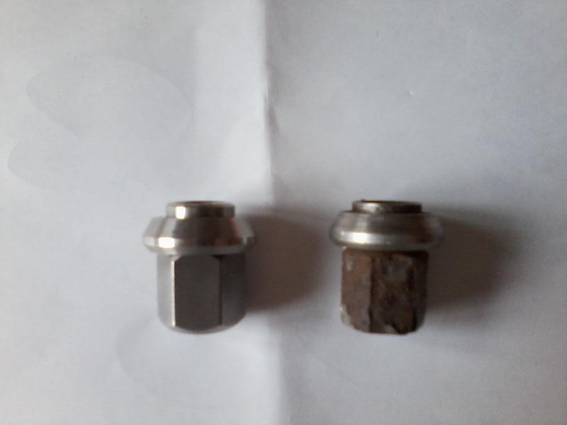 Ecrous jantes alu amil neuf en inox P08-1212