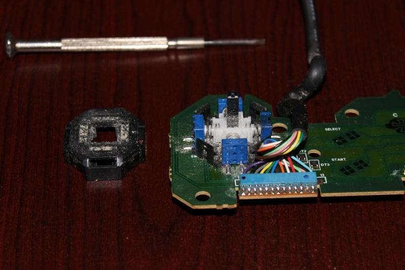 [TUTO] Refaire un pad Neo Geo CD qui ne reagit plus ou mal Img_0285