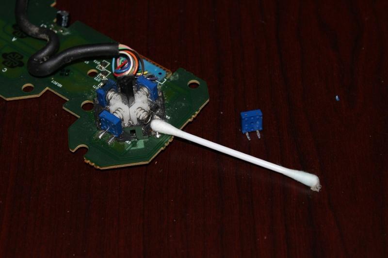 [TUTO] Refaire un pad Neo Geo CD qui ne reagit plus ou mal Img_0318