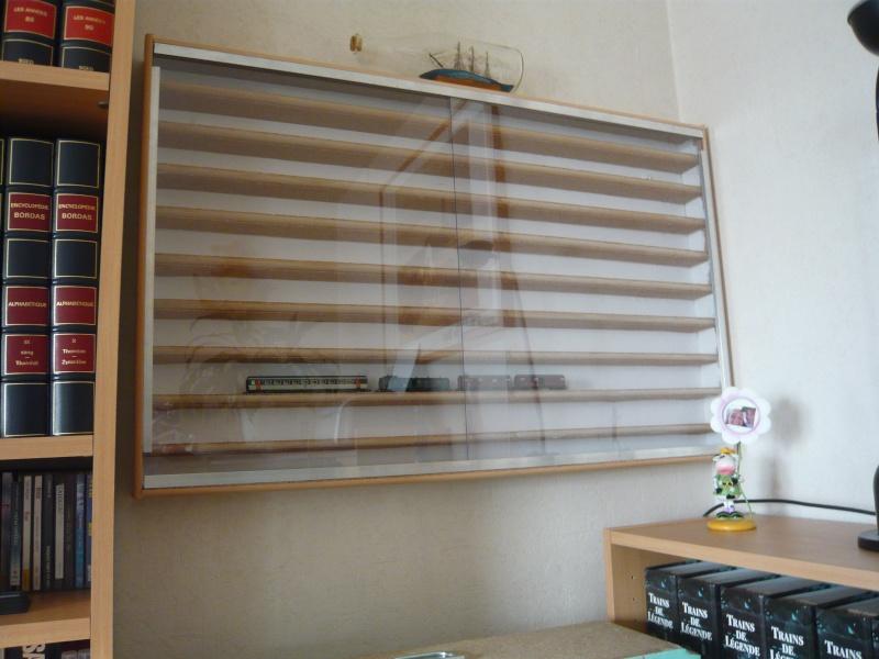 fabriquer une vitrine murale page 3. Black Bedroom Furniture Sets. Home Design Ideas
