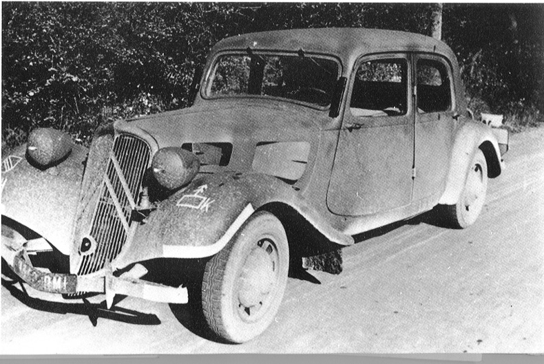 automobile en uniforme - Page 5 Tracti11