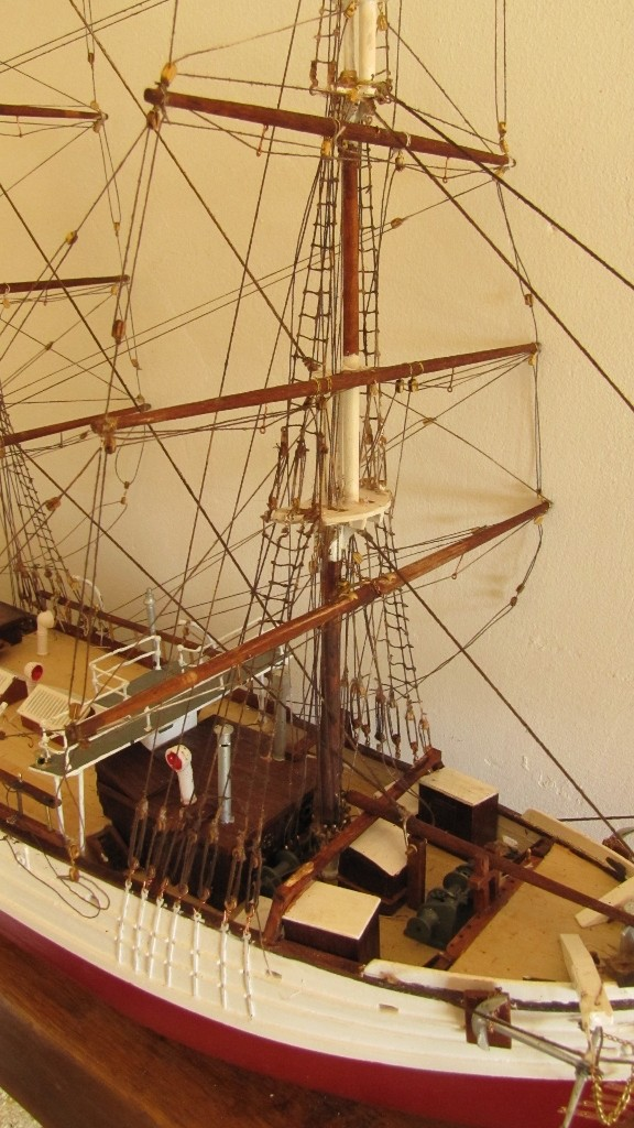 Le Pourquoi Pas, au 1/75ème - Billing Boat,  - Page 2 007_5710