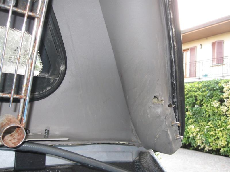 Sistemazione danni interni dell'hard top Img_2921