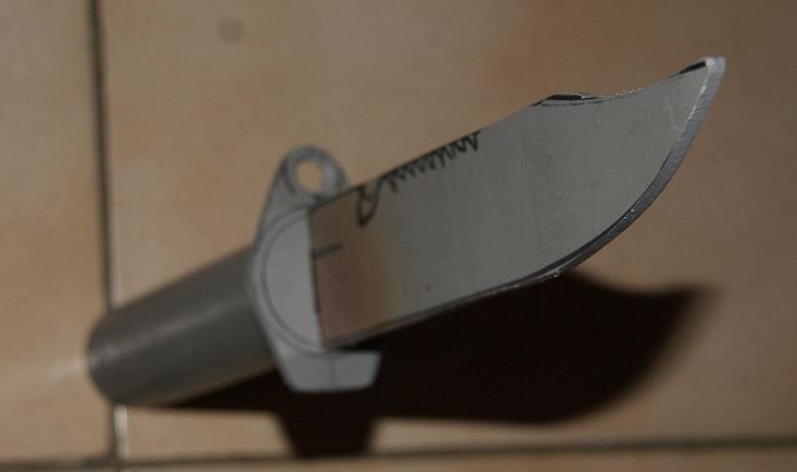 Tuto Fabriquer un couteau spécial airsoft en PVC Coutea29