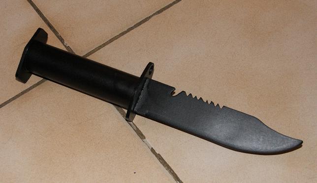 Tuto Fabriquer un couteau spécial airsoft en PVC Coutea35