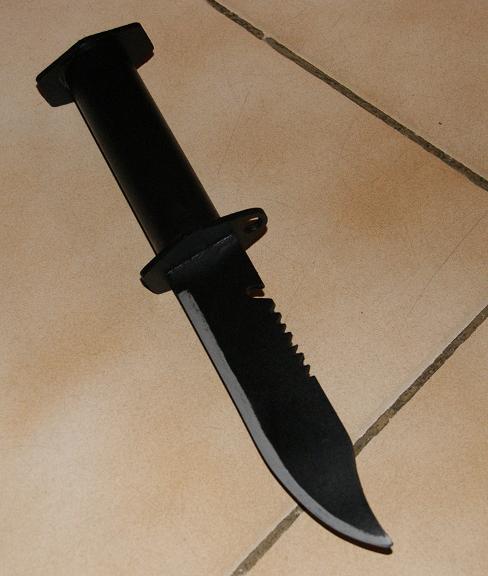 Tuto Fabriquer un couteau spécial airsoft en PVC Coutea40