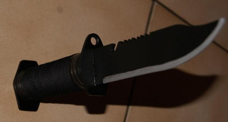 Tuto Fabriquer un couteau spécial airsoft en PVC Coutea42