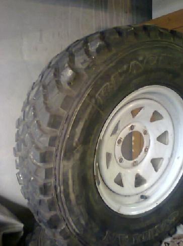 Jantes et pneus mud Black Star Pneus10