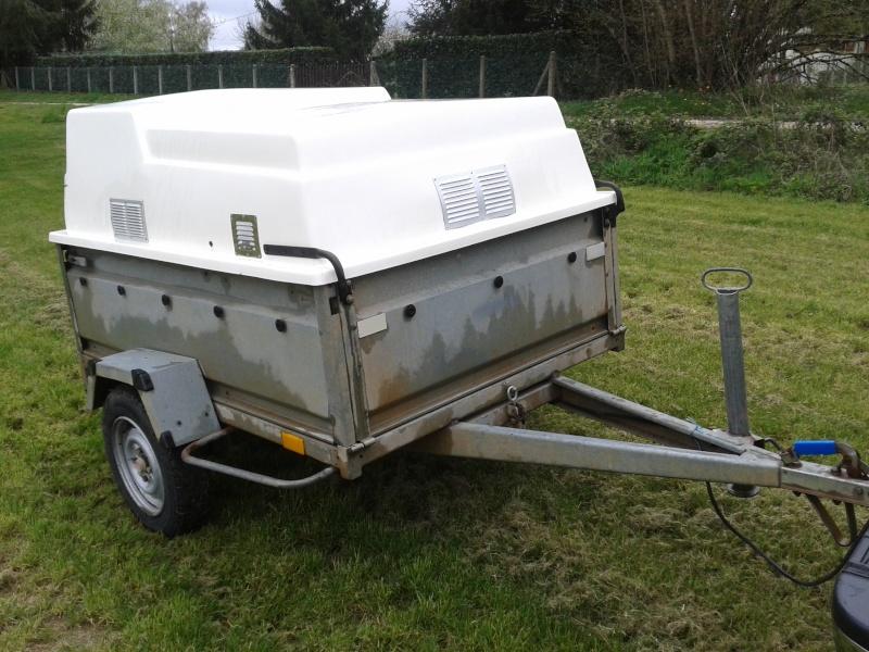 Remorque pour transport de chiens de chasse 20140410
