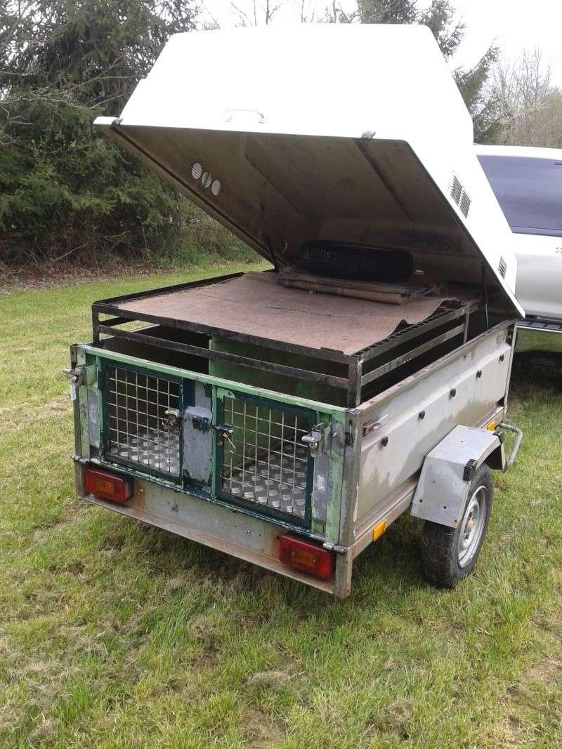 Remorque pour transport de chiens de chasse 20140411
