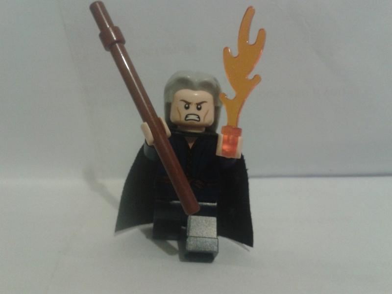 Lego Minifigs Attack10