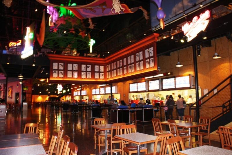 Restaurant en Coulisse  (Walt Disney Sutdios)  Restau11