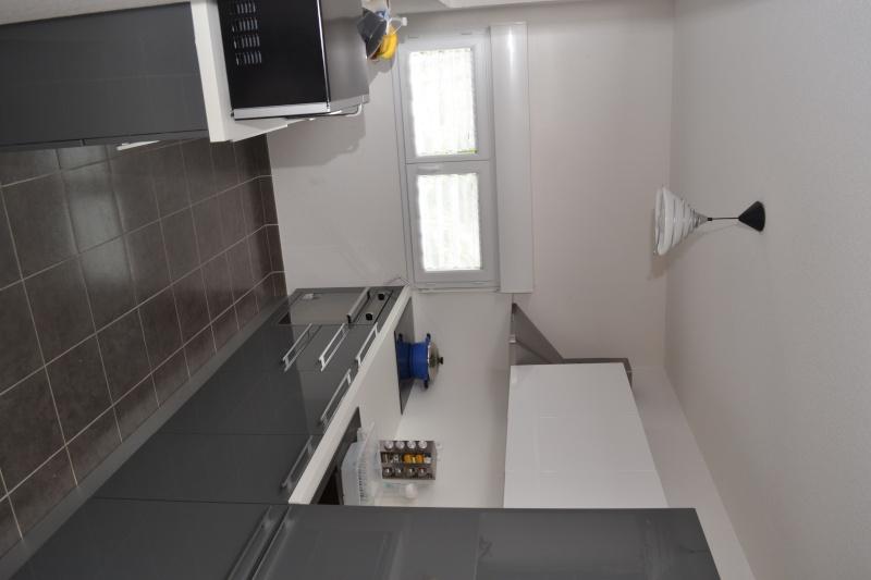 Choix des peintures, salon et cuisine -- la suite Dsc_0410