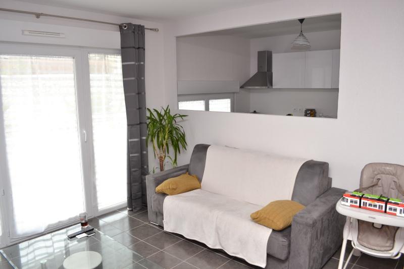 Choix des peintures, salon et cuisine -- la suite Dsc_0411
