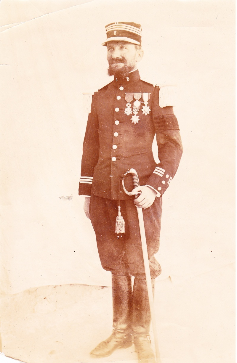 Identification Capitaine 5° RIC (?) Offici10