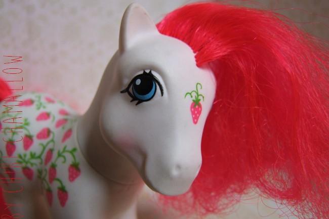 ♫ Nendo Miku + vintage My Little Pony ♫ Strawb10