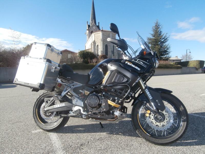 Triumph explorer XC  vs Yamaha XT 1200 ZE P2030011