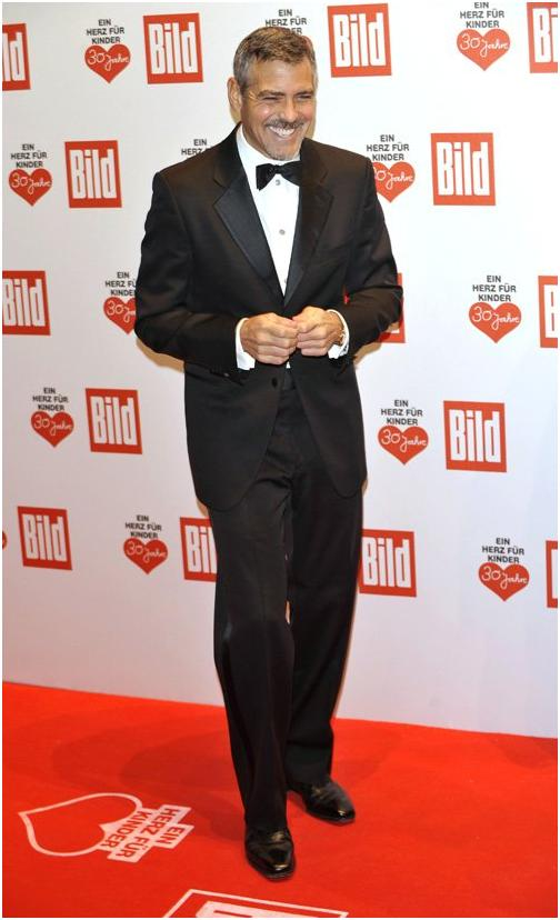 George Clooney in Berlin at the Ein Herz Fuer Kinder charity gala. December 2008 06-12_13