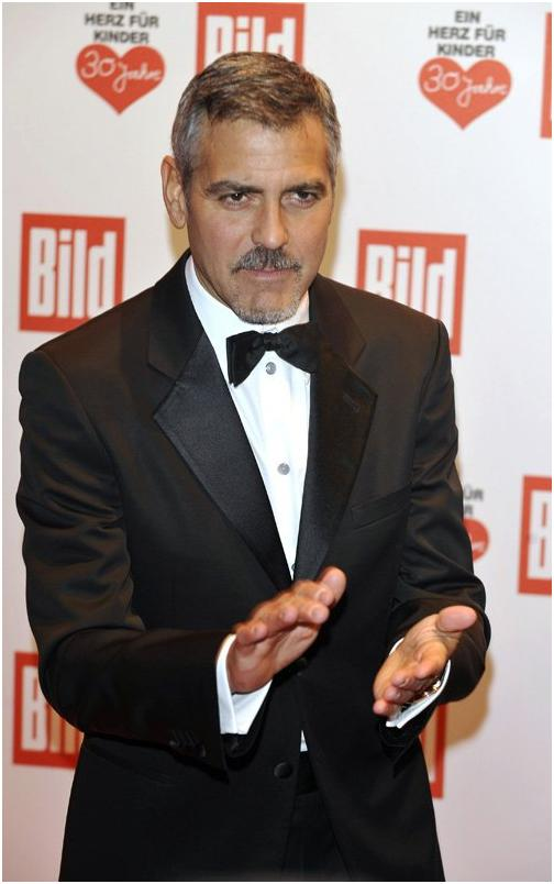 George Clooney in Berlin at the Ein Herz Fuer Kinder charity gala. December 2008 06-12_14