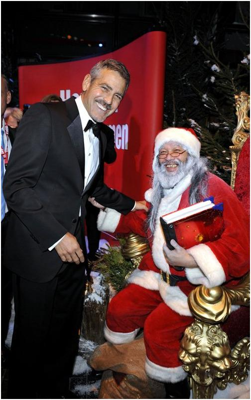 George Clooney in Berlin at the Ein Herz Fuer Kinder charity gala. December 2008 06-12_16