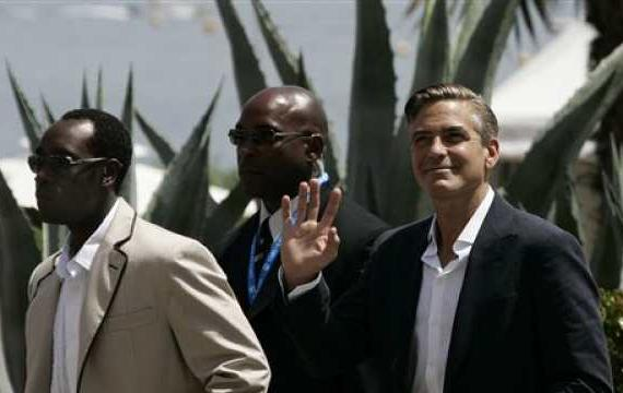 George Clooney & Don Cheadle Honored By Nobel Prize Recipients - November 2007 07-12_10