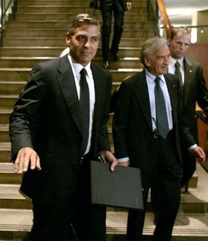 George Clooney & Don Cheadle Honored By Nobel Prize Recipients - November 2007 07-12_27