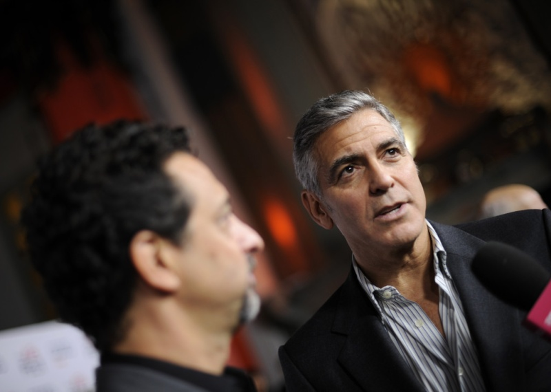 George Clooney at the AFI film fest, 8 Nov 2013, at a screening of August Osage County - Page 2 13-11_32