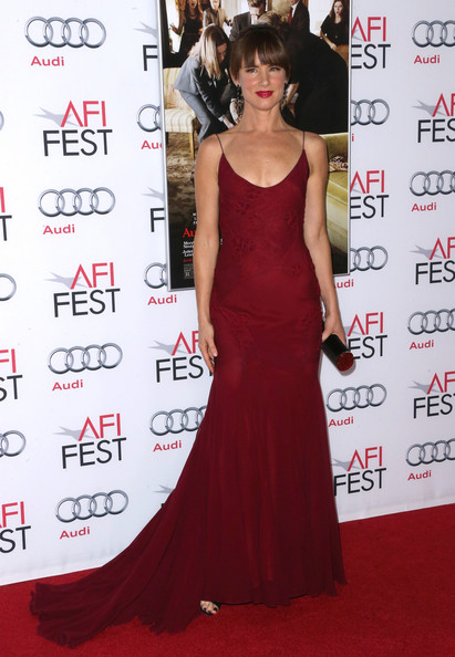 George Clooney at the AFI film fest, 8 Nov 2013, at a screening of August Osage County - Page 2 13-11_35