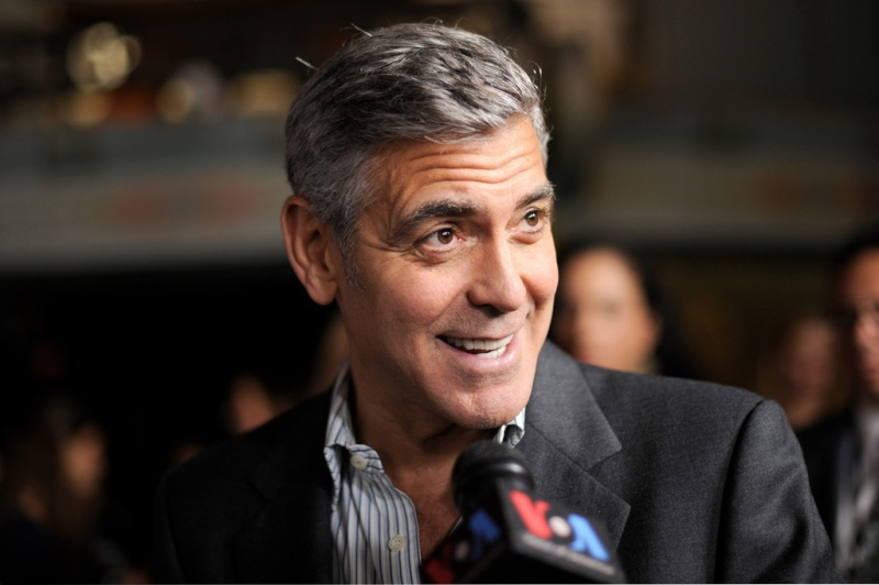 George Clooney at the AFI film fest, 8 Nov 2013, at a screening of August Osage County - Page 2 13-11_38