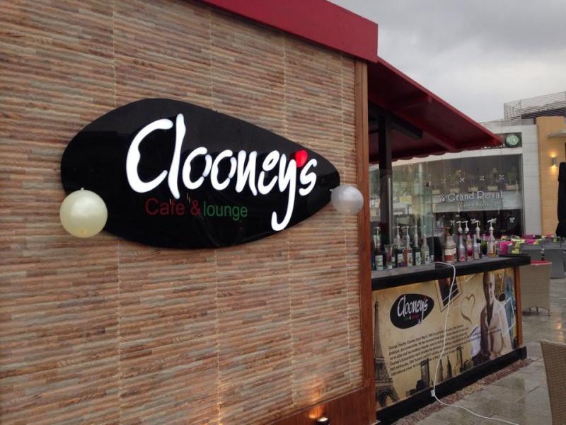 George Clooney George Clooney George Clooney! - Page 3 Lounge10