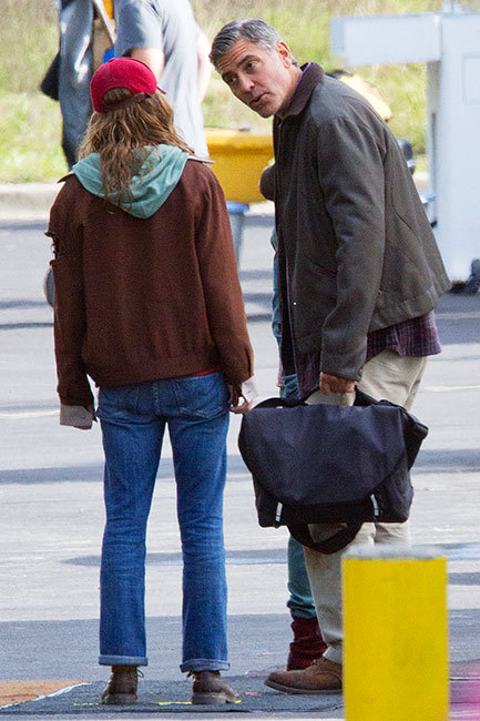 George Clooney on set of Tomorrowland - Page 2 Tl_0110