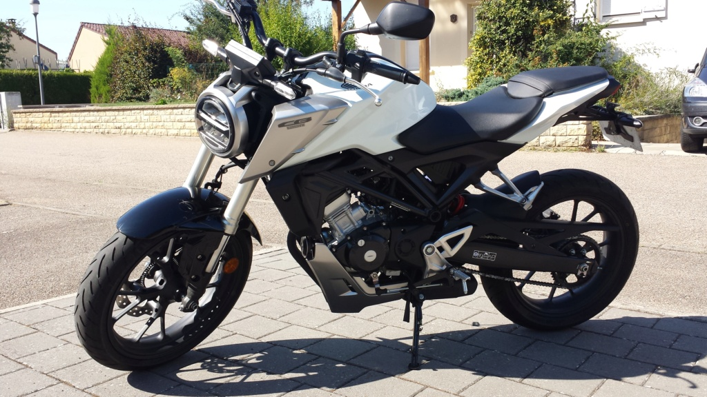 Honda CB125R Blanche - Page 3 20180812
