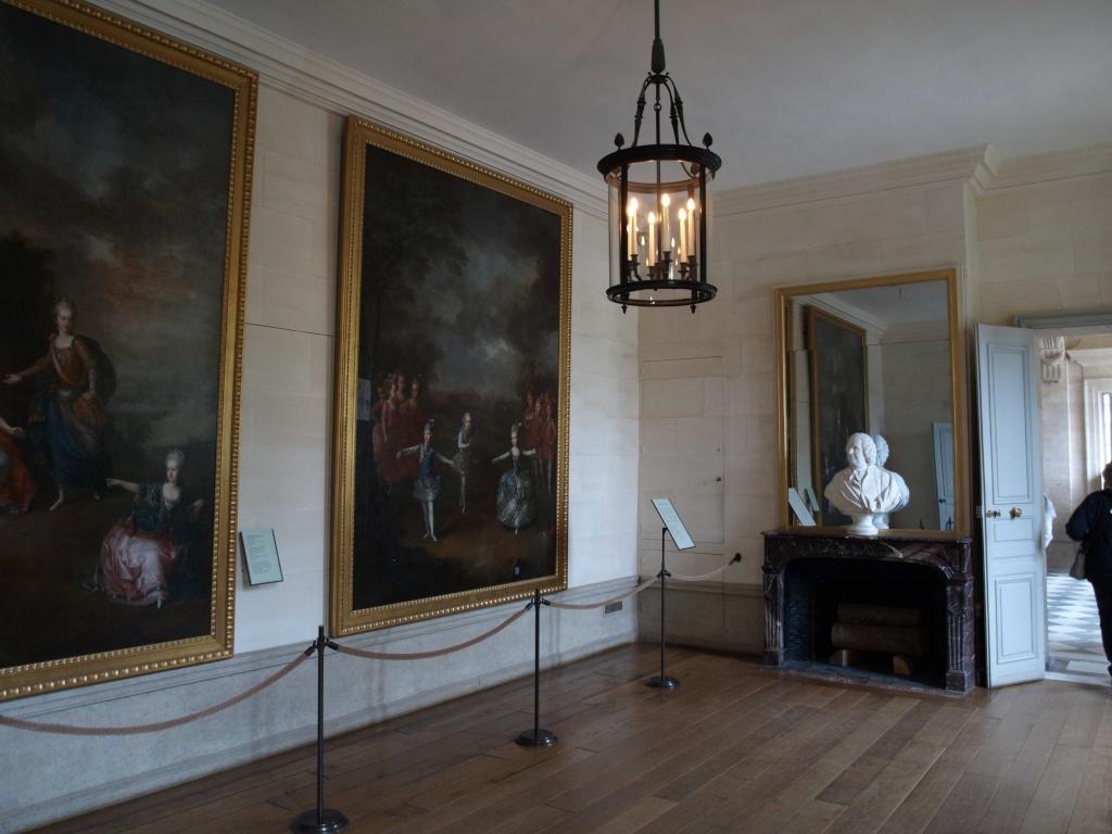 La visite du Petit Trianon: La salle des gardes 14_oct14
