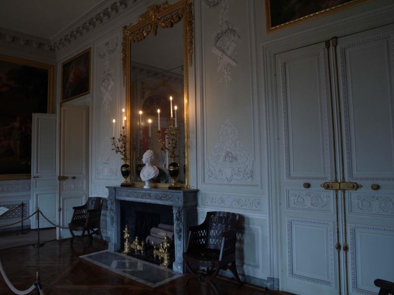 La visite du Petit Trianon: La salle à manger - Page 2 14_oct56